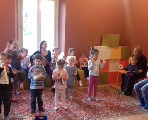 Tamás Éva Játéktára, interaktív zenés koncertek gyermekeknek